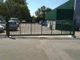 Clotures Nantes : Portail autoportant industriel - ST GEREON